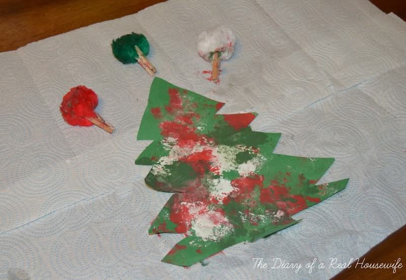 Pom-Pom Painting: Christmas Tree