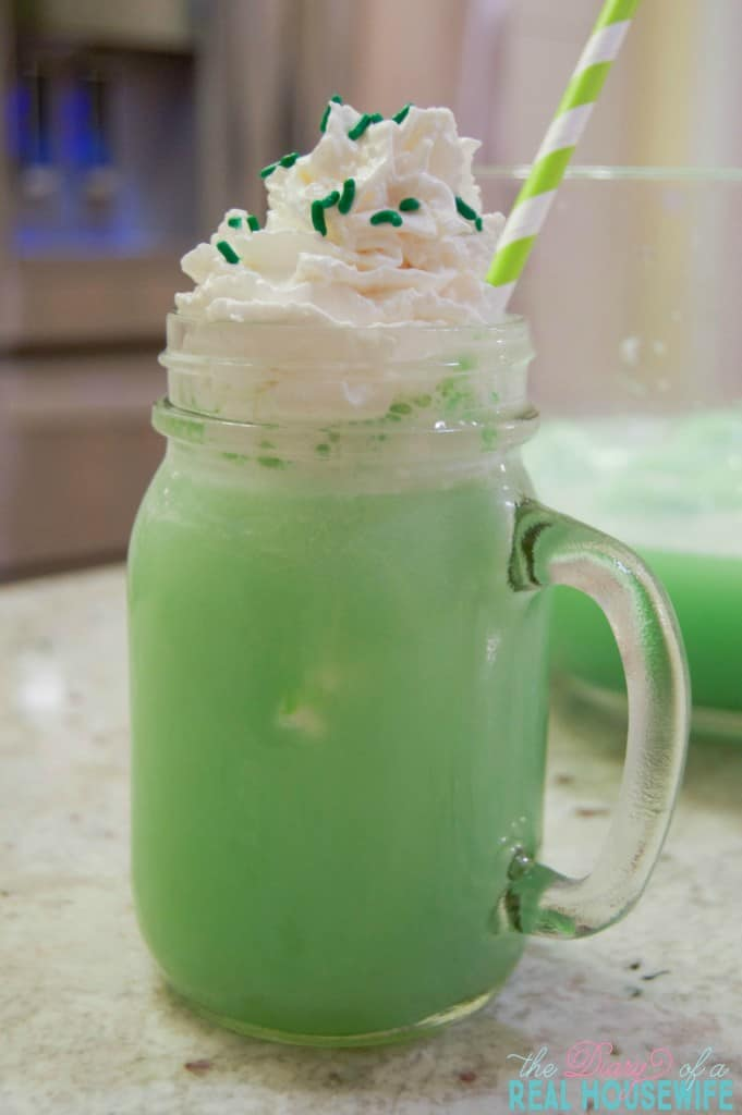 Easy to make st patricks day punch for the family.
