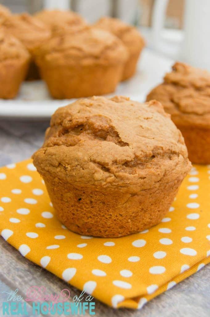 easy-2-ingredients-pumpkin-muffins