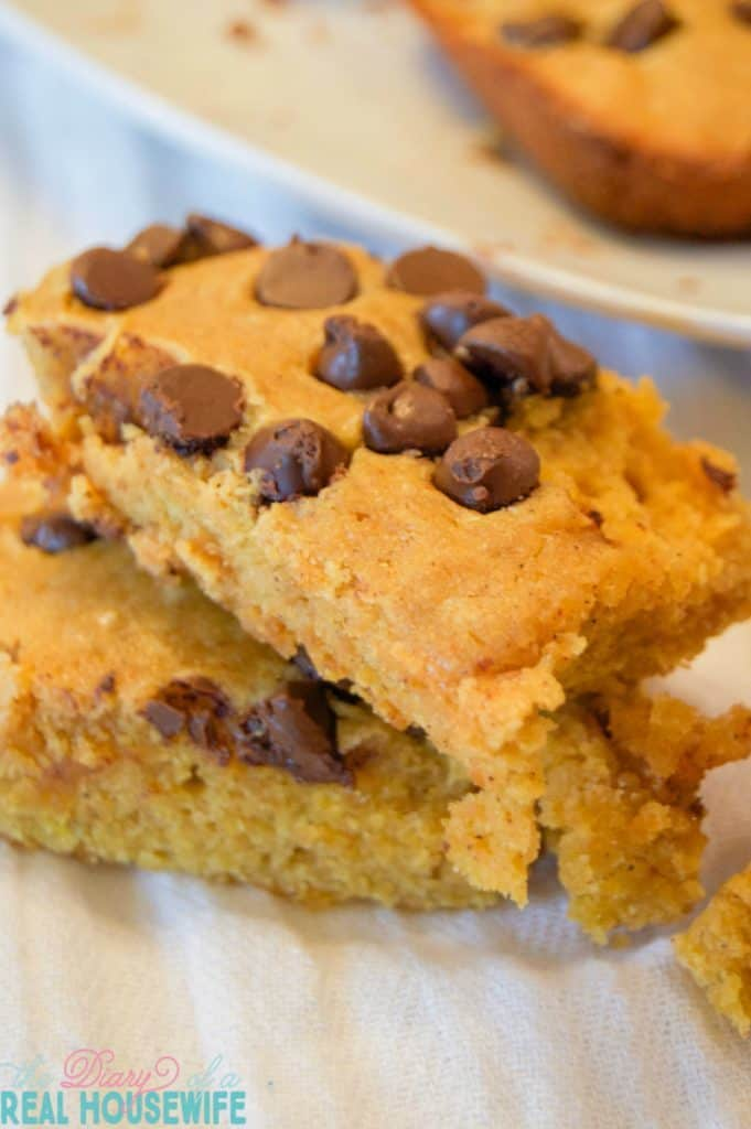 awesome-chocolate-chip-pumpkin-squares-681x1024