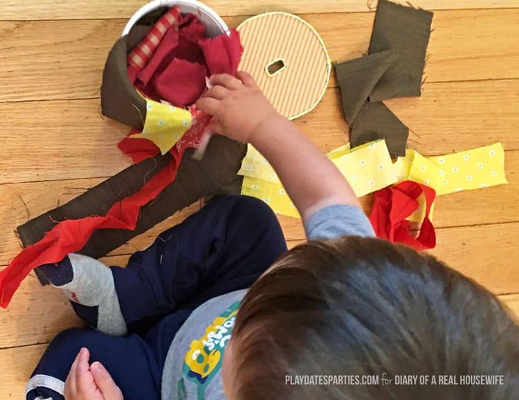 scrap-fabric-sensory-tub-06