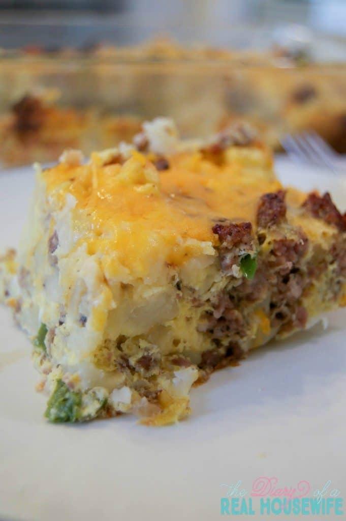 yummy-sausage-hash-brown-breakfast-casserole-681x1024