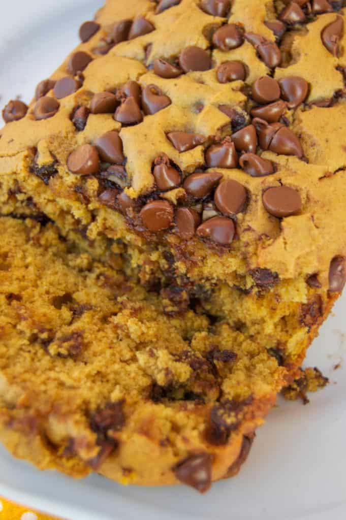 the-best-chocolate-chip-pumpkin-bread