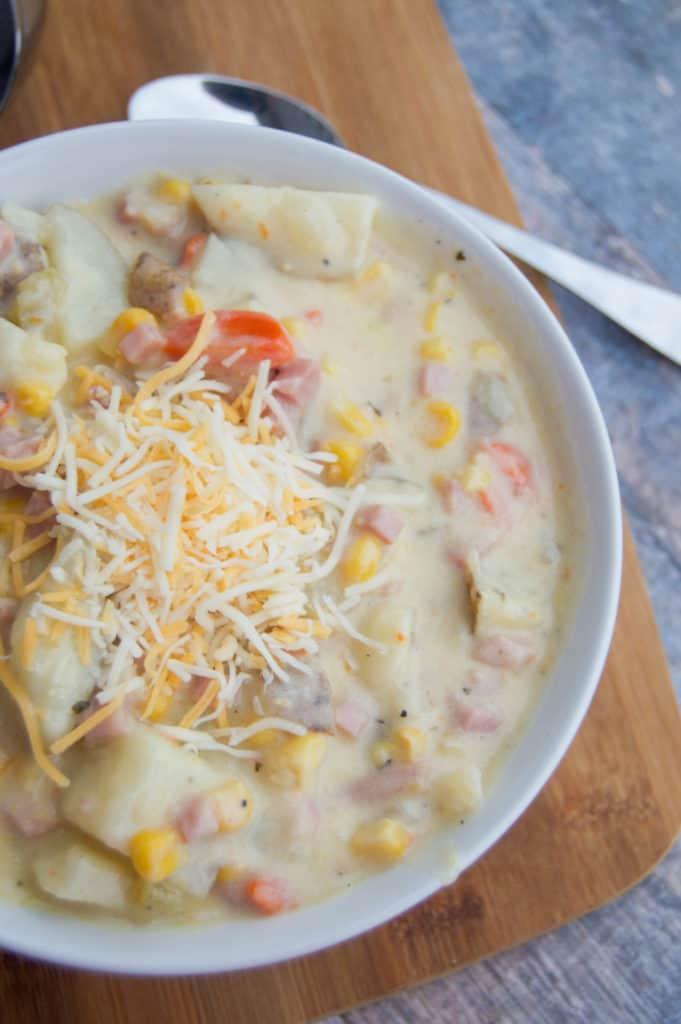 awesome-cheesy-ham-and-potato-soup