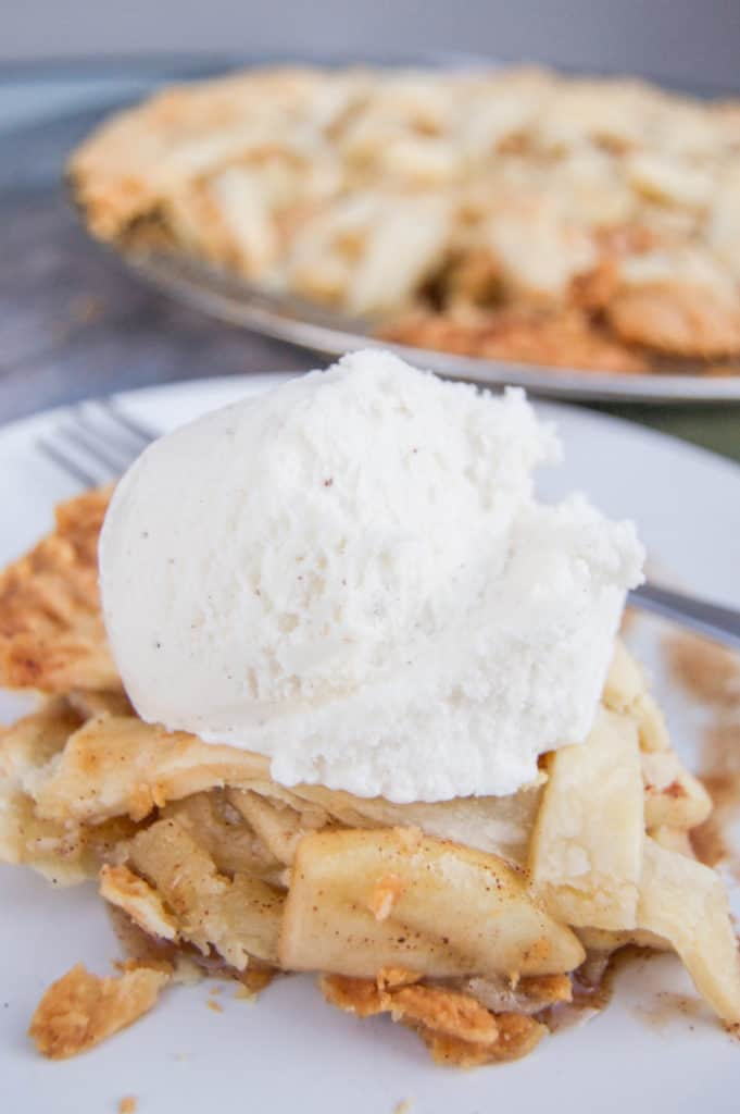 awesome-classic-apple-pie-681x1024