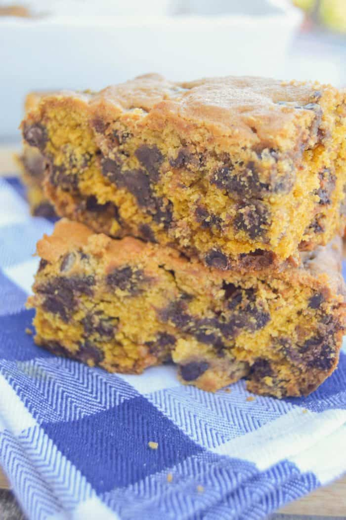 Simple Chocolate Chip Pumpkin Bars