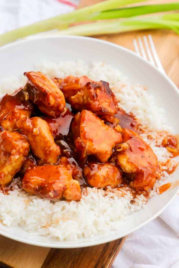 Easy Orange Chicken in a white bowel