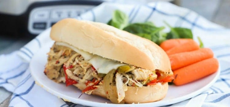 Slow Cooker Philly Chicken Cheesesteak