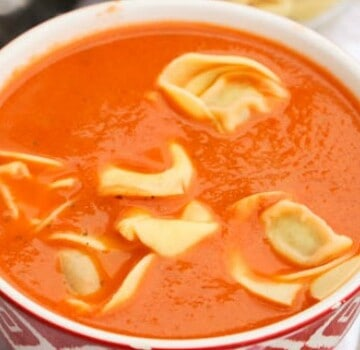 Slow Cooker Tomato Soup and Tortellini