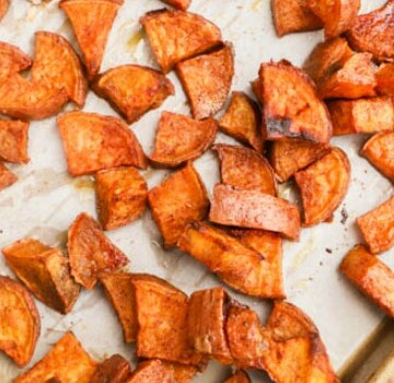 Cinnamon Sugar Roasted Sweet Potatoes featured