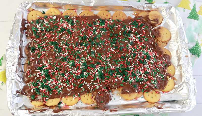 adding sprinkles to the top of the crack