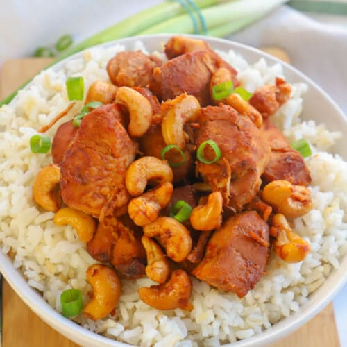 Slow Cooker Cashew Chicken in a bowl