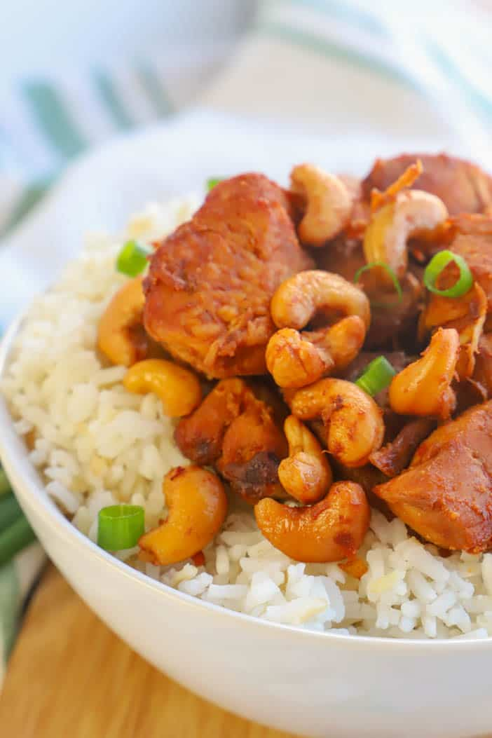 close up picture of Slow Cooker Cashew Chicken