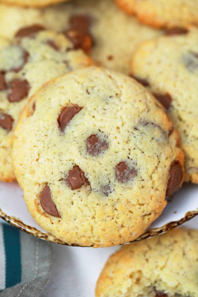 closeup of cake mix cookies
