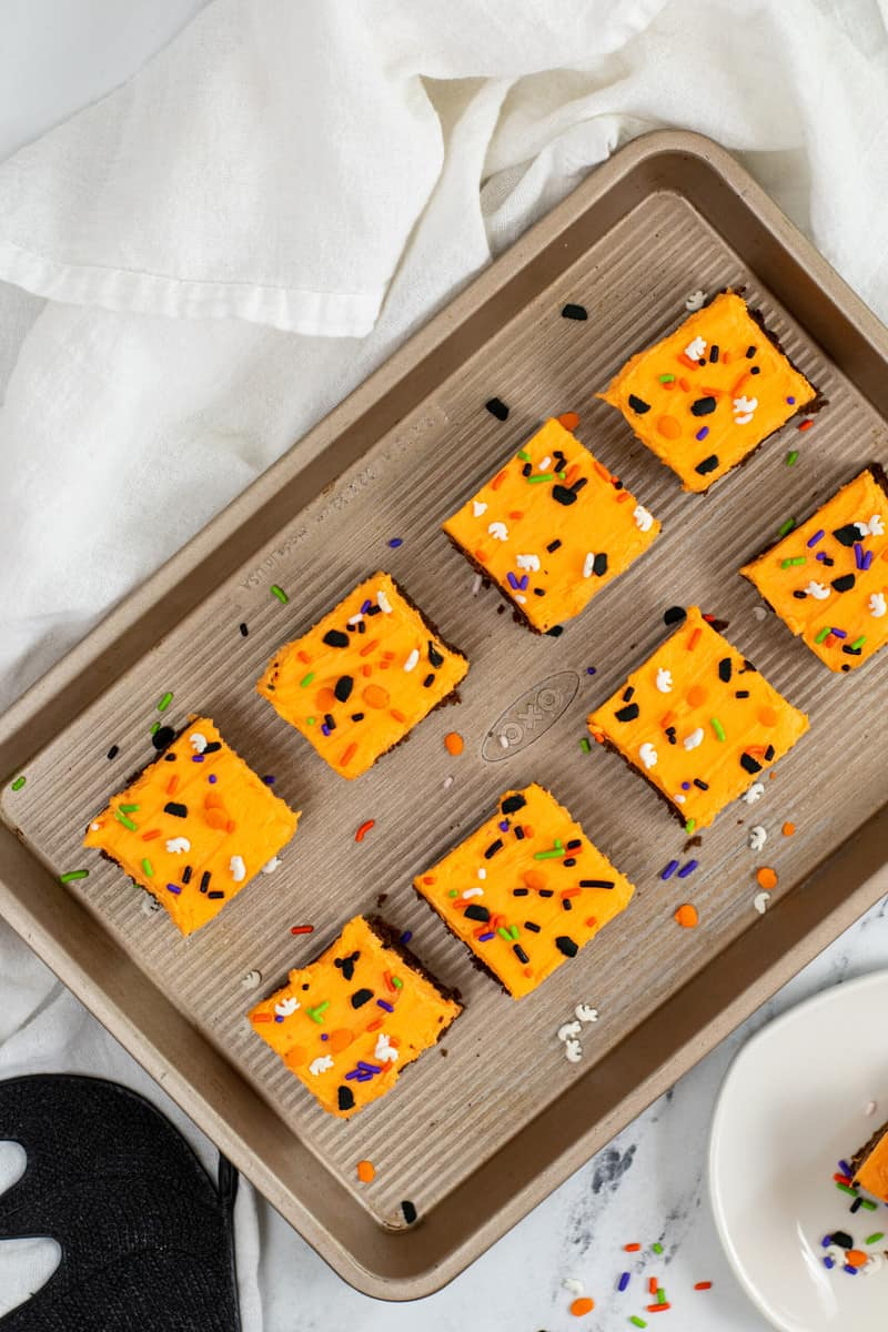 cut cookie bars into squares on serving tray
