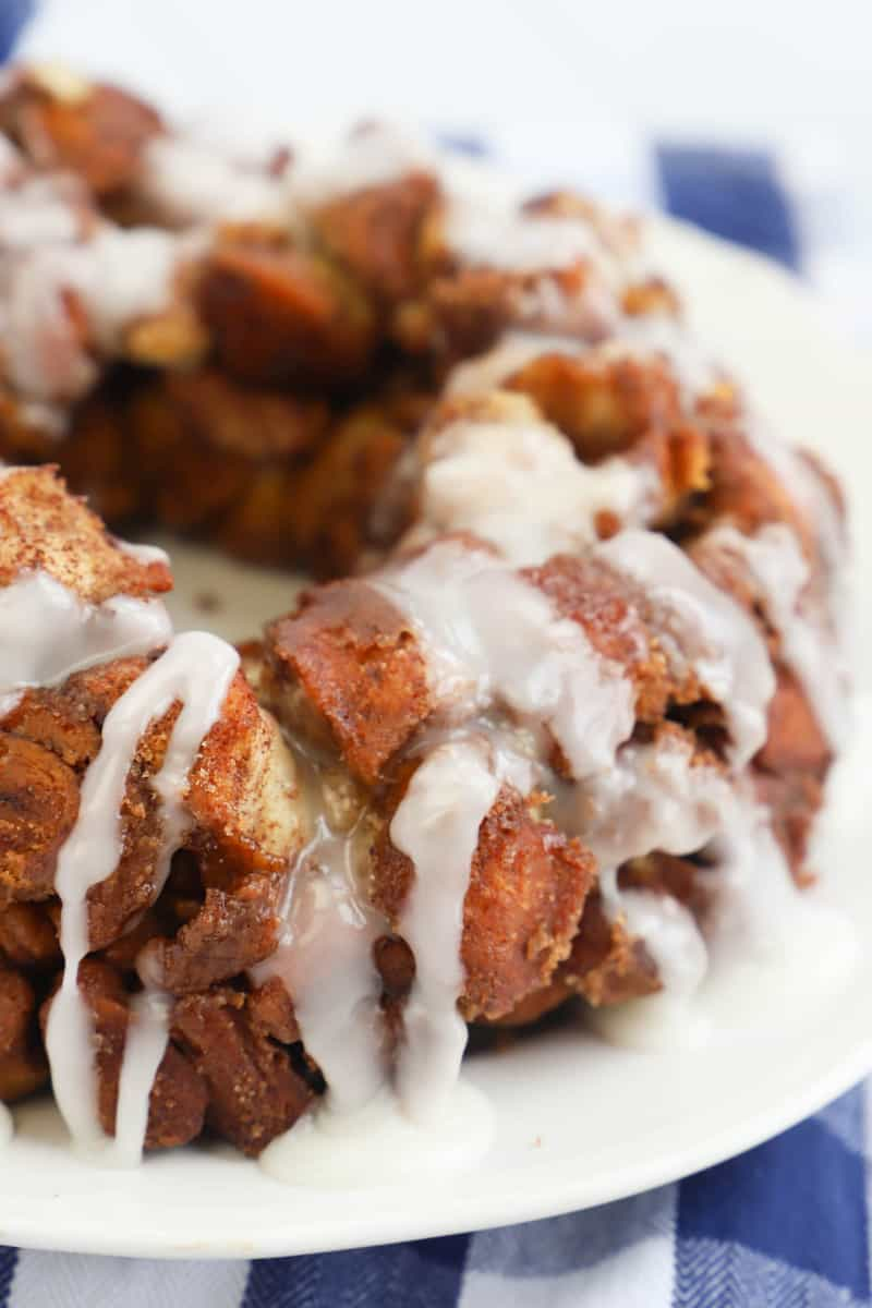Cinnamon Roll Monkey Bread close up picture on white serving tray