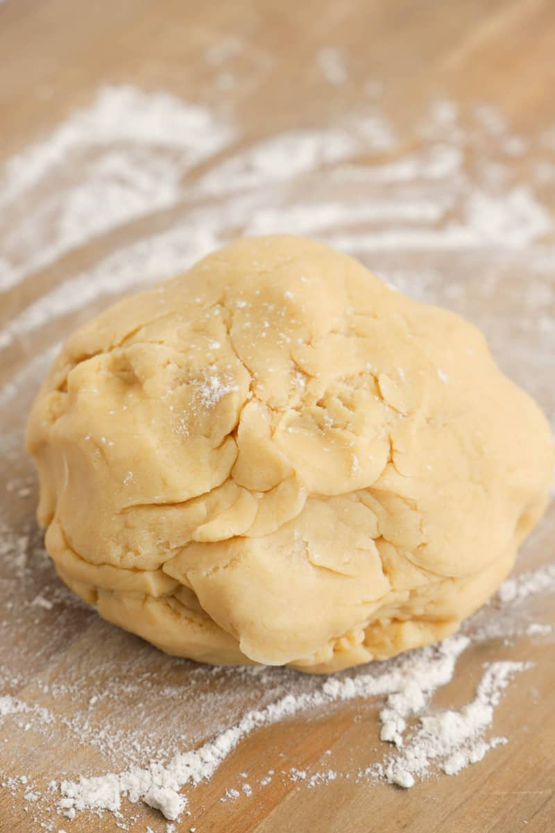 pie crust dough ready to roll out